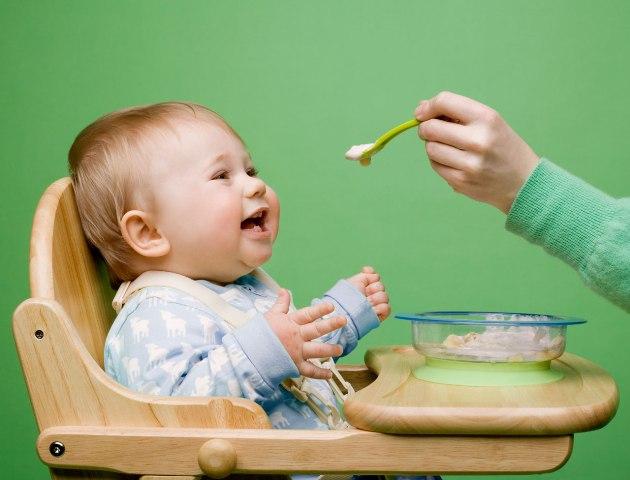 Comment progresser dans l'alimentation du nourrisson