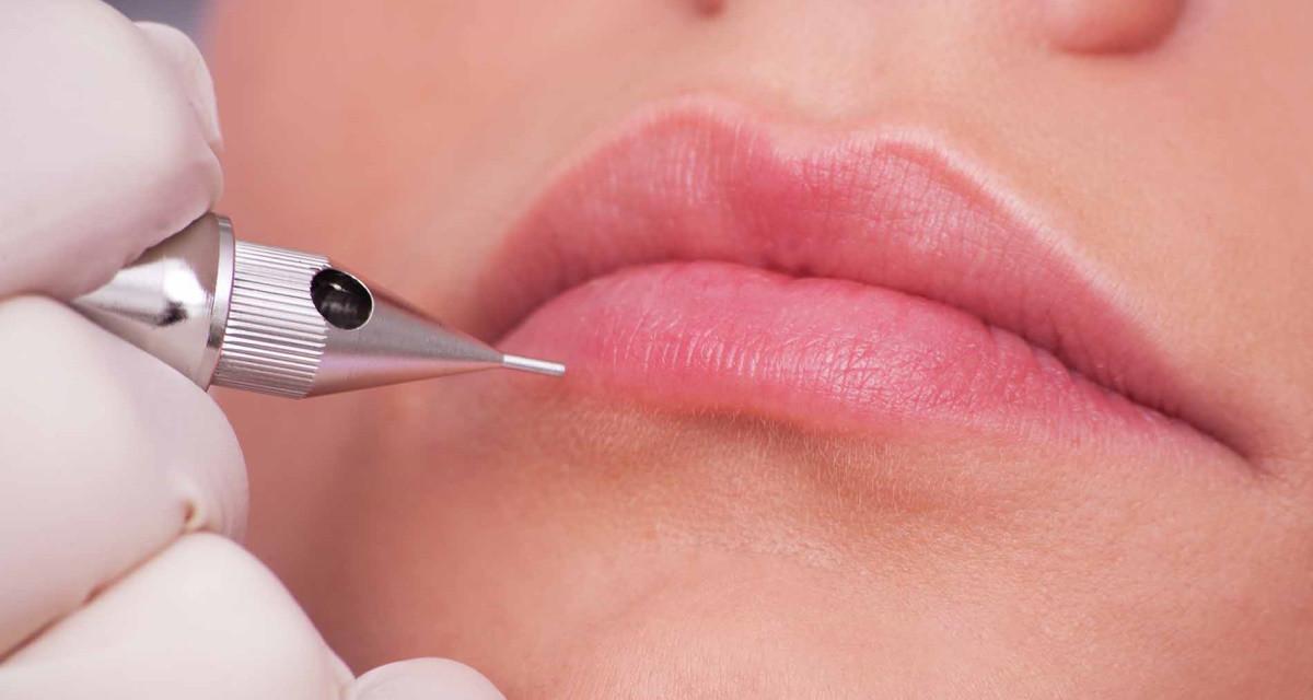 Le maquillage permanent des lèvres : une pratique très appréciée par les femmes