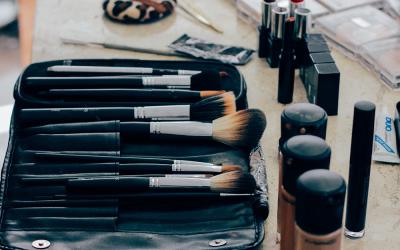 Comment bien se maquiller soi-même